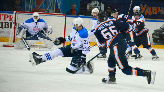 Артем Чистяков: В 19 лет мне удалось остаться и закрепиться в ВХЛ, а не проводить еще один сезон в молодежке